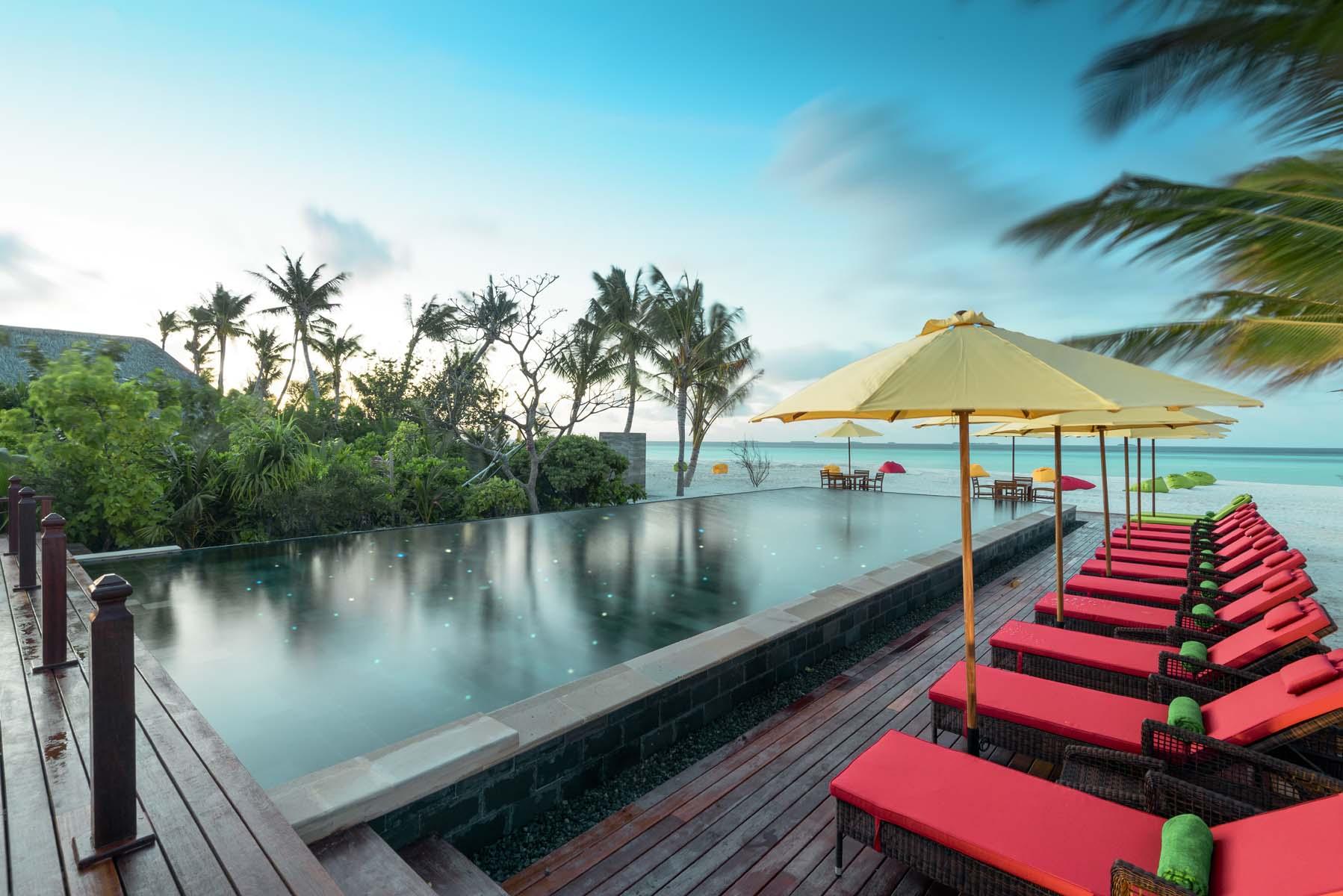 Dhigifaru Island Resort yourescape (21)