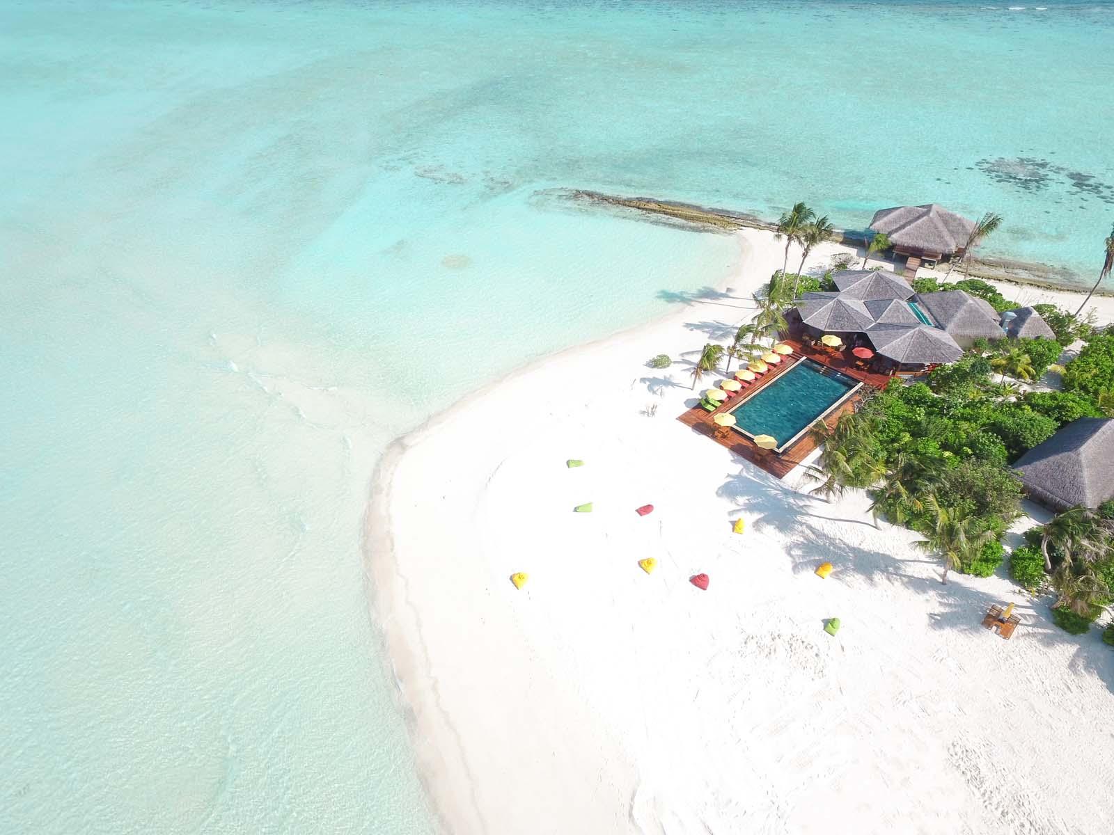 Dhigifaru Island Resort yourescape (22)
