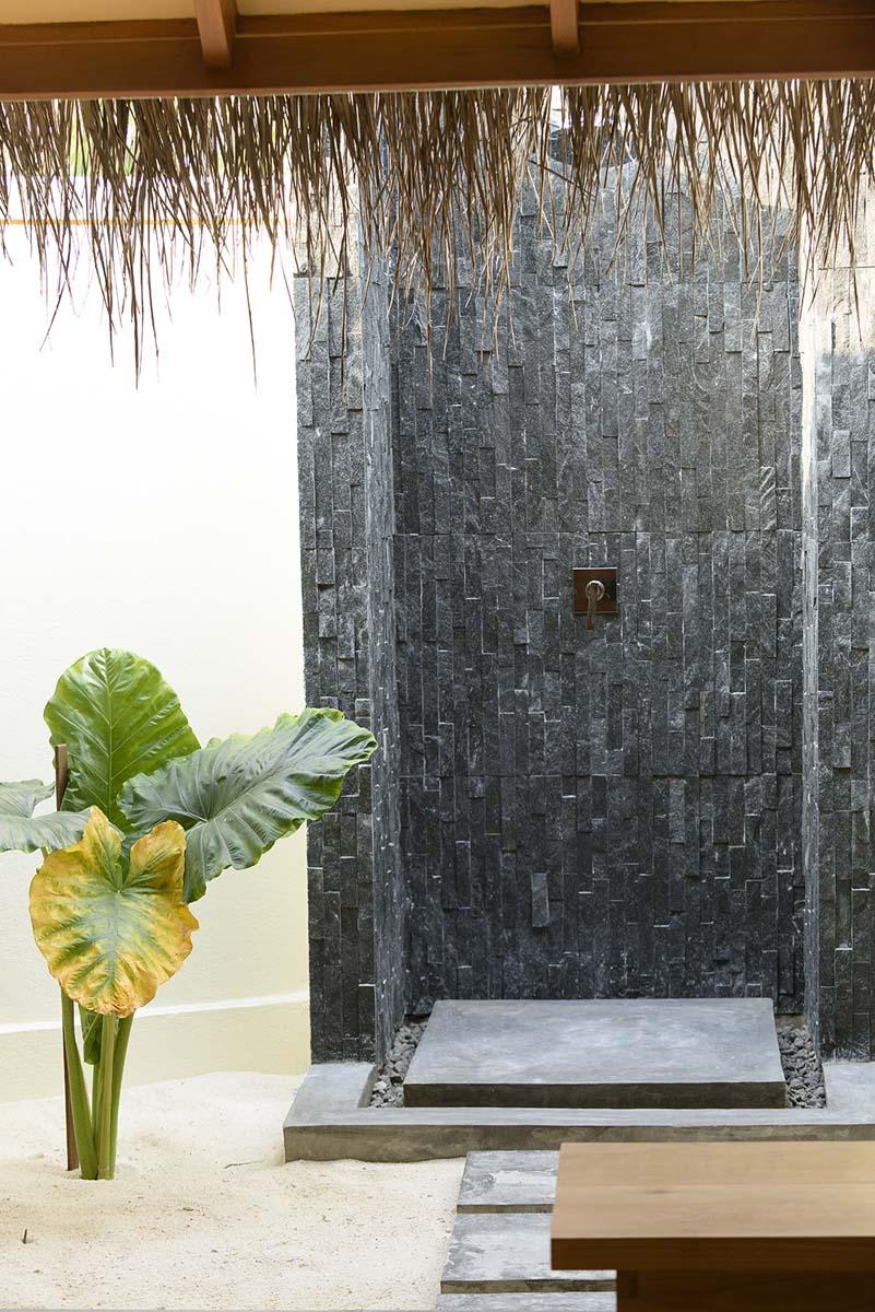 Dhigifaru Island Resort yourescape (51)