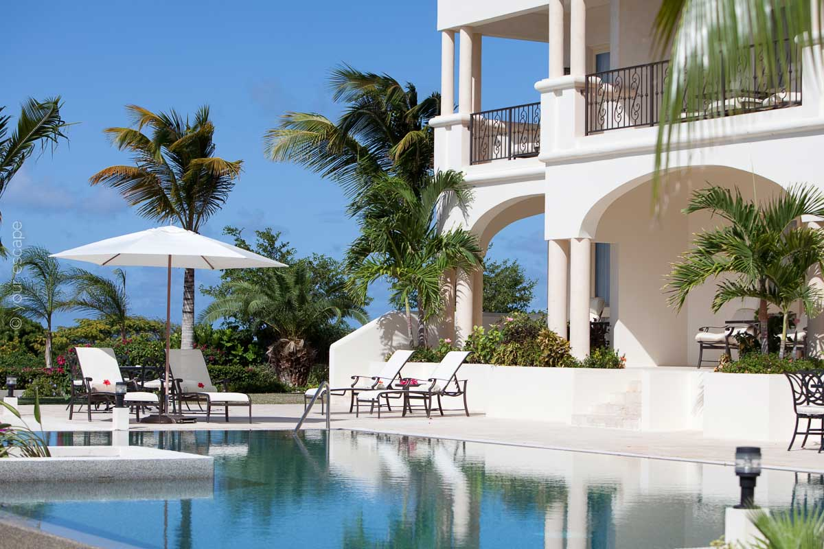 Blue Waters_Cove Pool-your escape