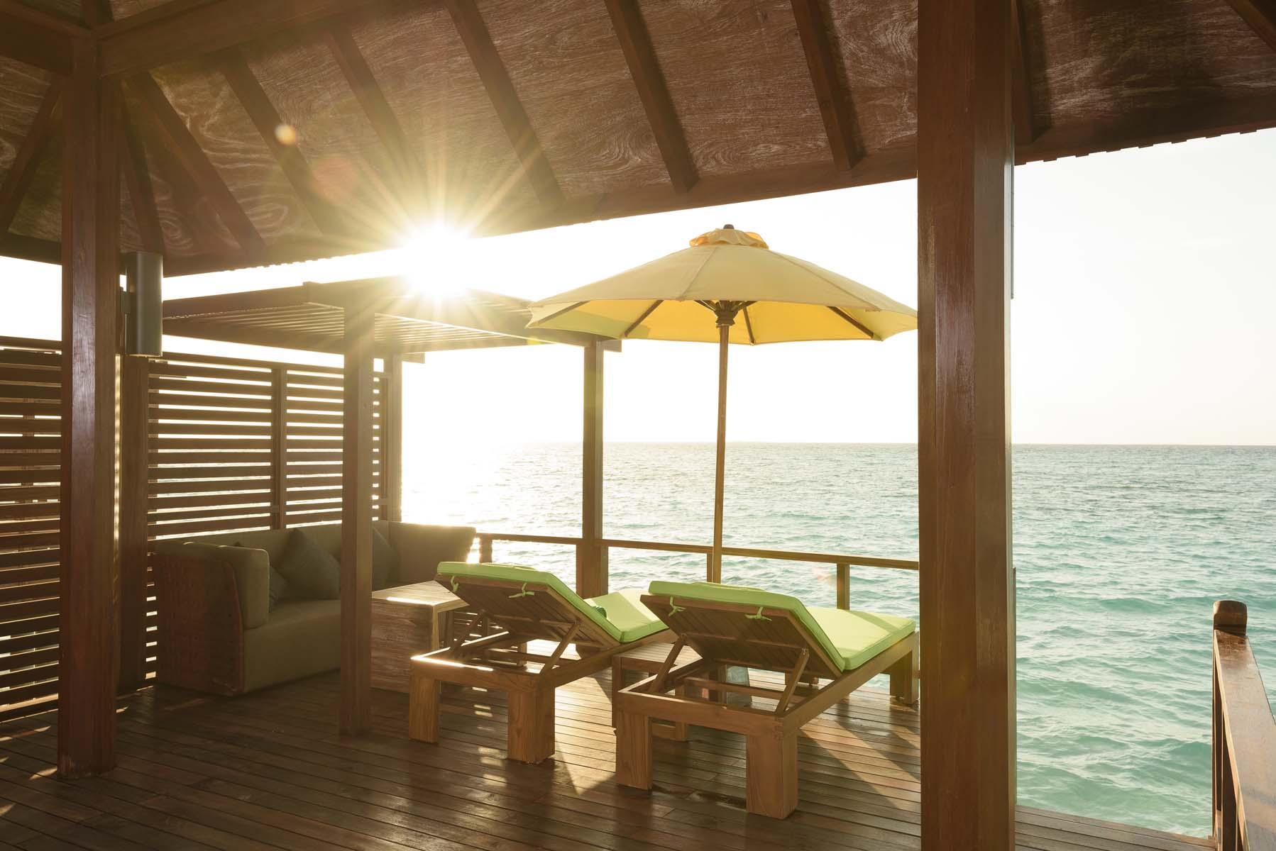 Dhigifaru Island Resort yourescape (37)