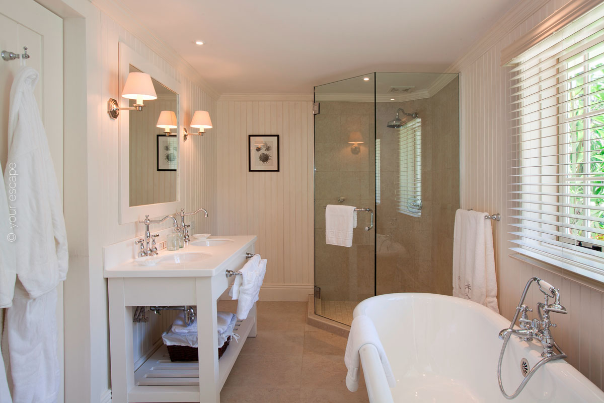 Blue Waters_Pelican_House_bathroom-your escape