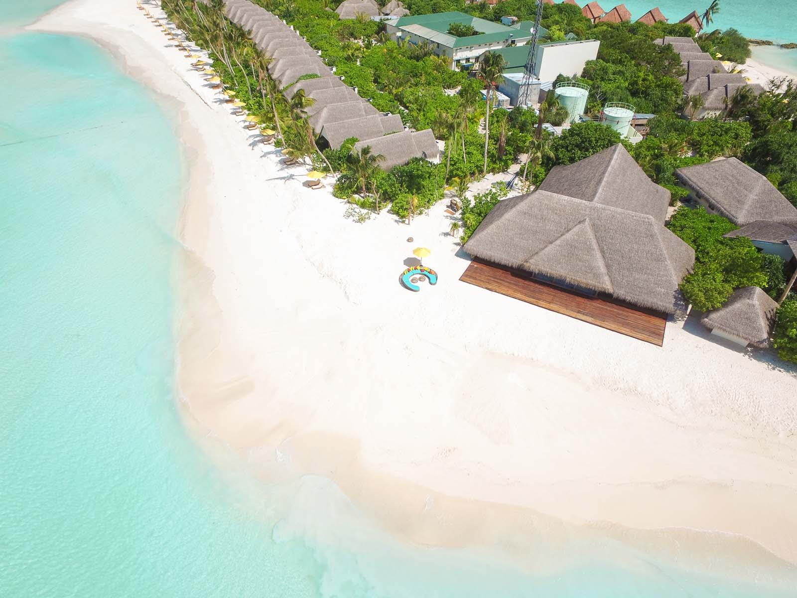 Dhigifaru Island Resort yourescape (29)