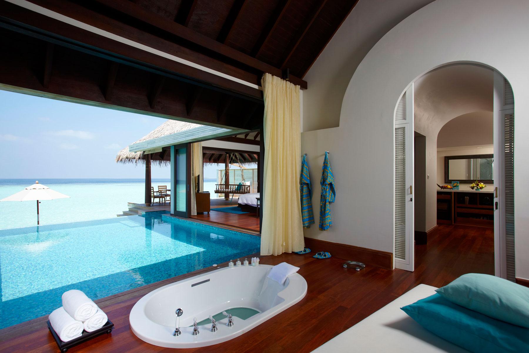 Maldives Anantara Kihavah 13 sunset overwaterpool villa