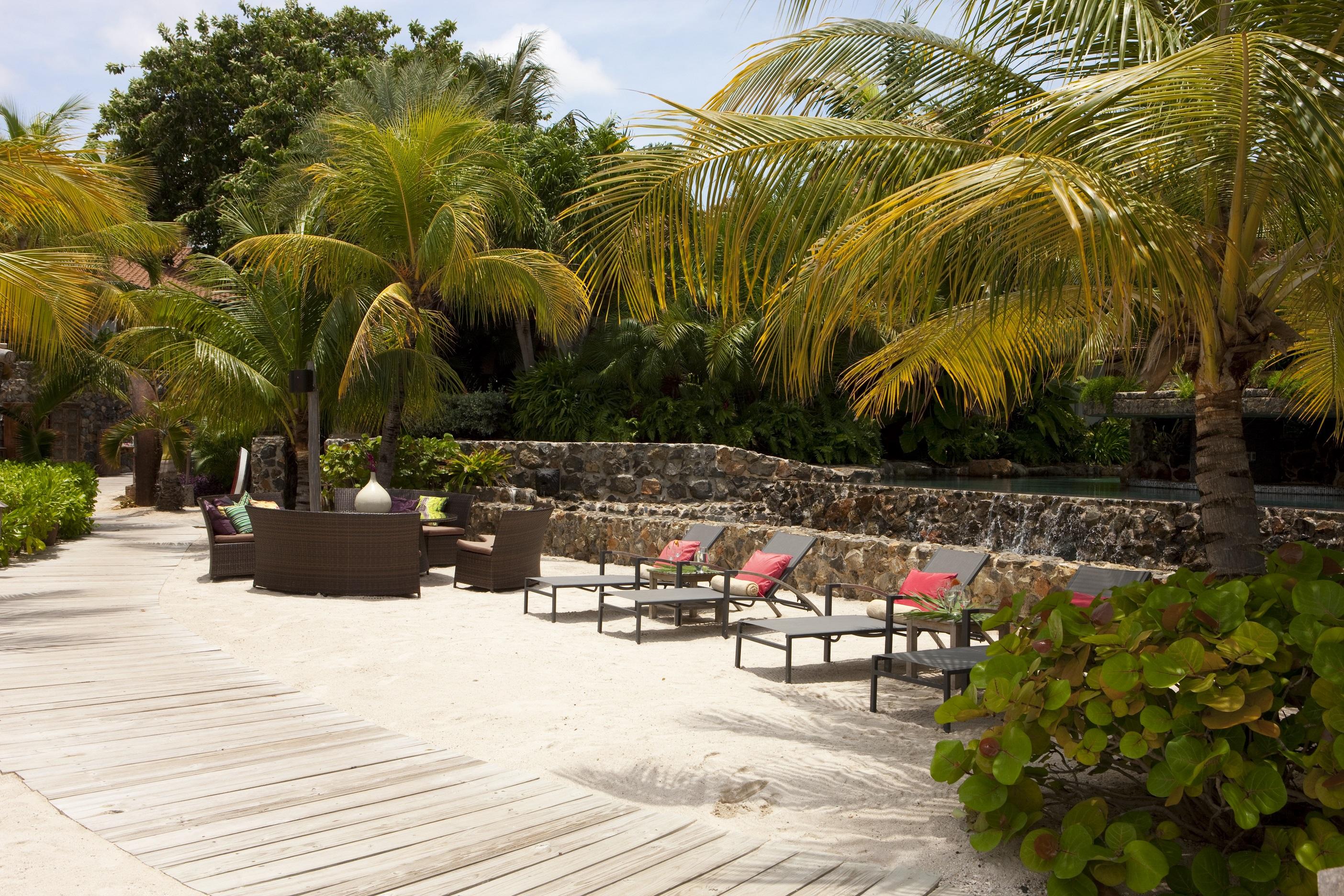 Beach walkway next to Pool.jpg