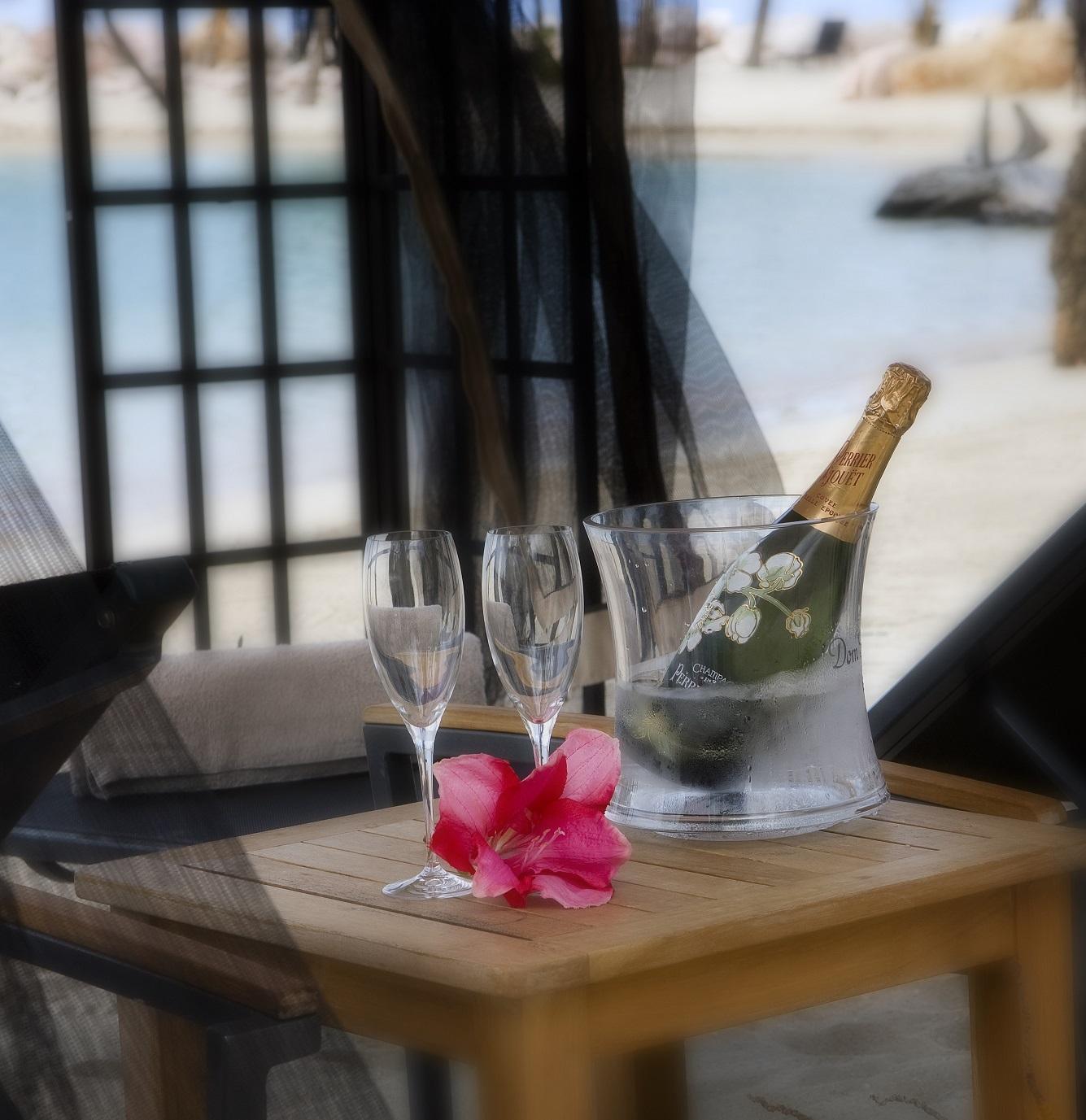 Beach Champagne.jpg