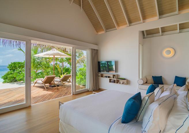 06_baglioni_resort_maldives_pool_suite_b
