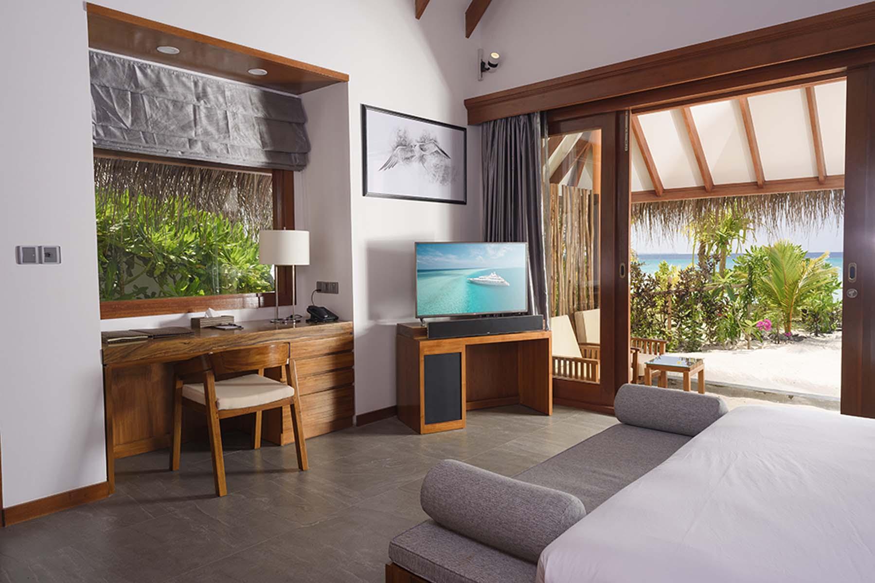 Dhigifaru Island Resort yourescape (47)