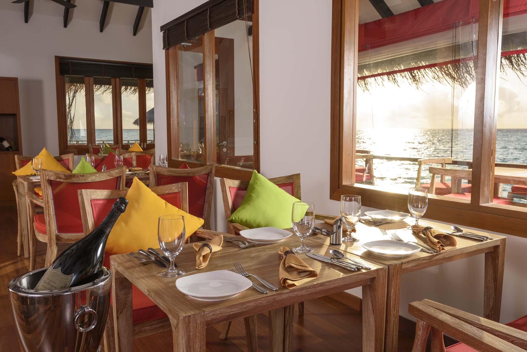 Dhigifaru Island Resort yourescape (55)