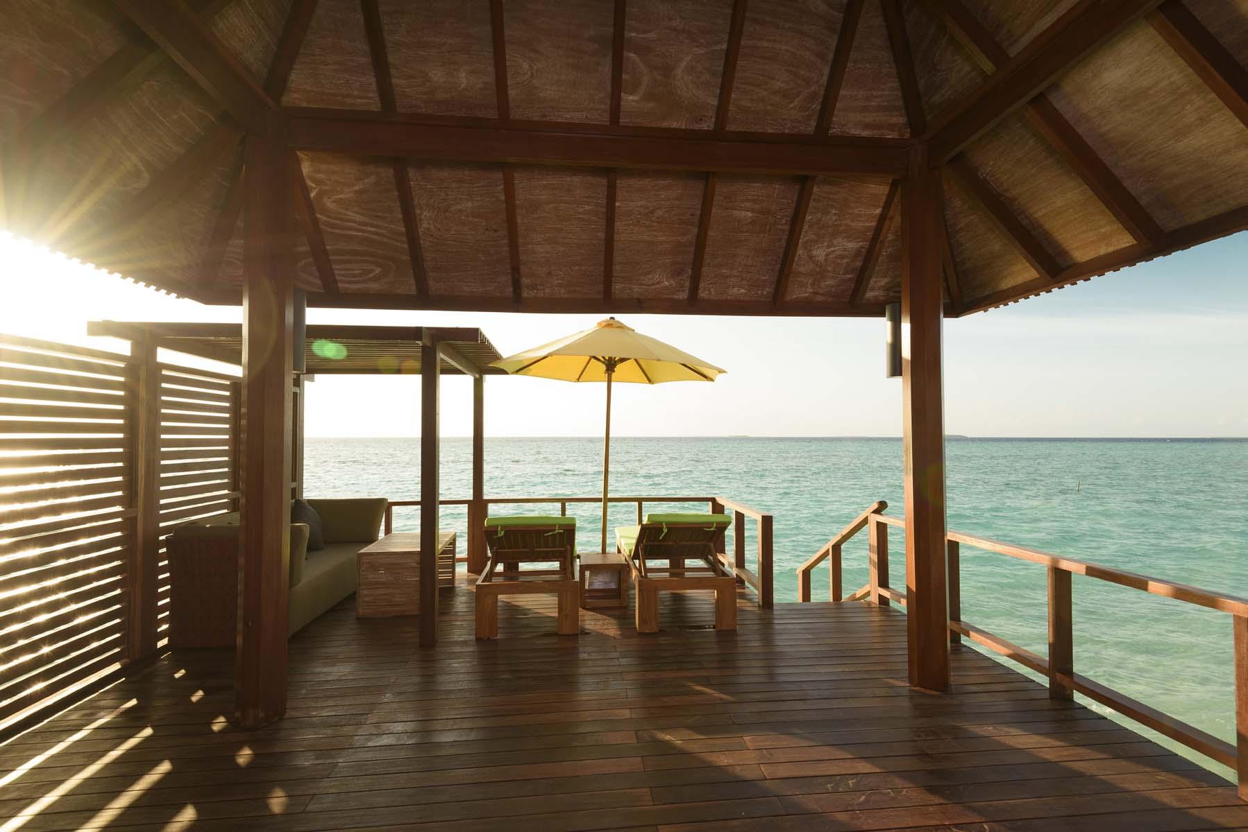 Dhigifaru Island Resort yourescape (36)