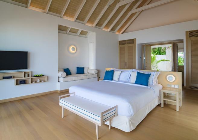 02_baglioni_resort_maldives_pool_suite_b