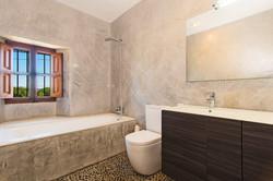 Finca Santa Maria bathroom