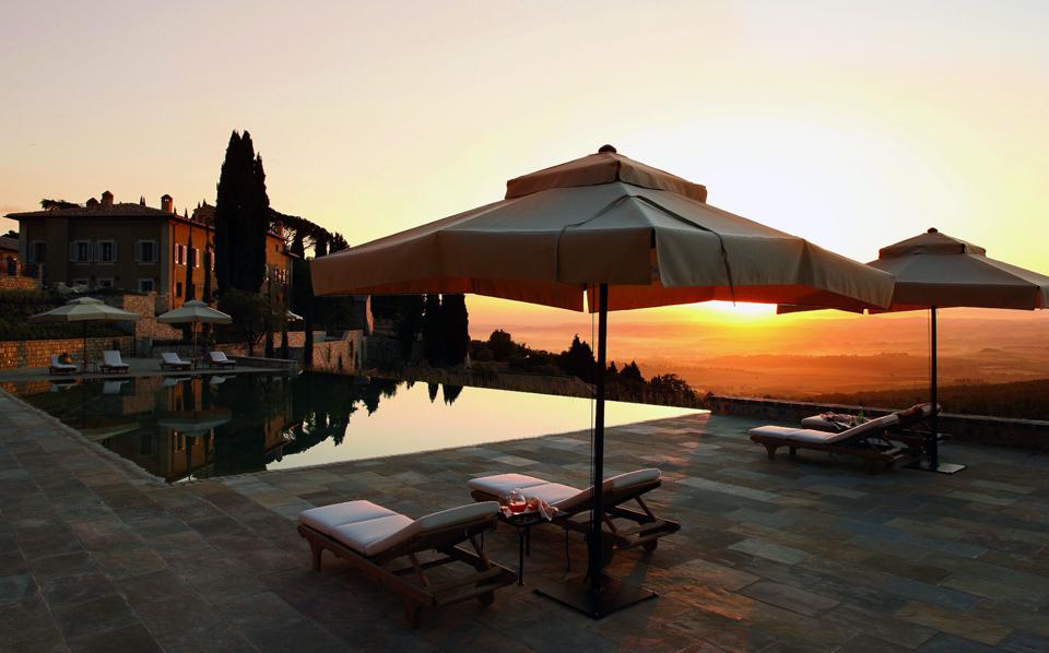 CdB - Borgo pool sunset