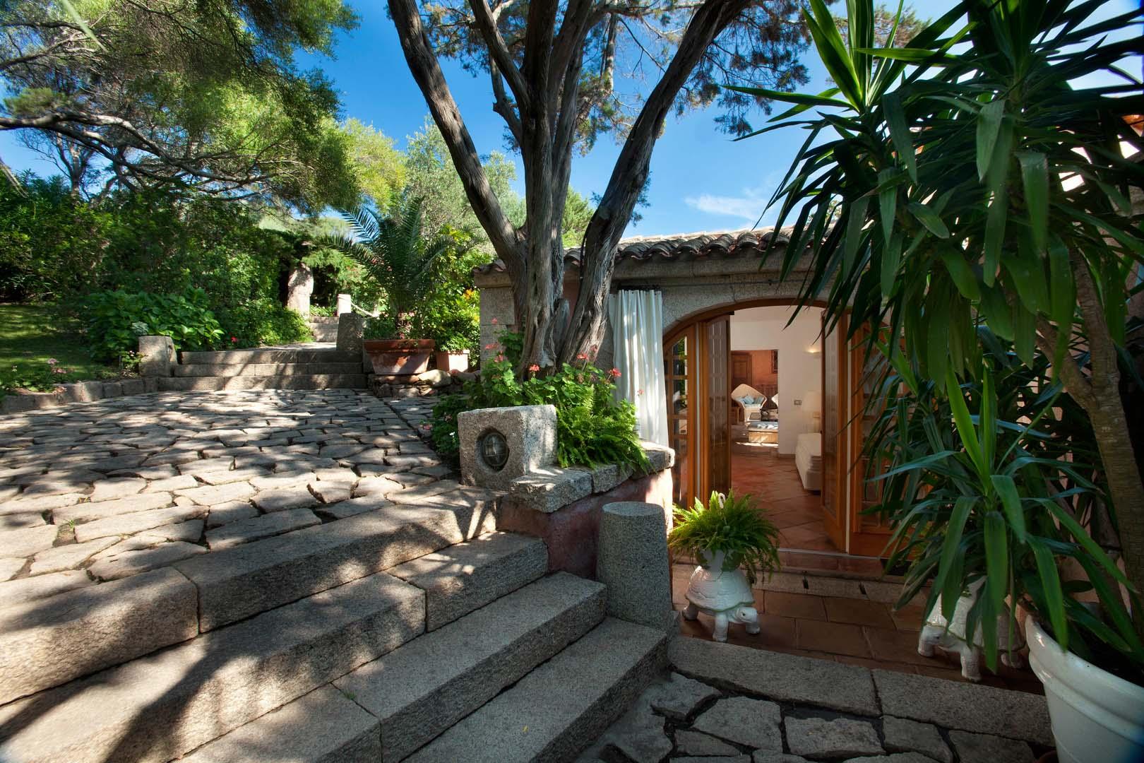 Luxury Villa Cala Granu Porto Cervo your escape (2)