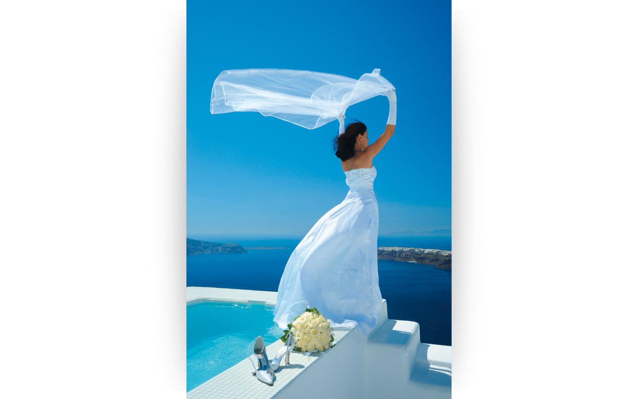 White Santorini Your Escape (1)
