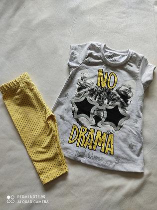 Ensemble t-shirt et legging