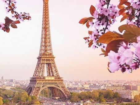 Parisul: Orașul luminilor și capitala tinerilor amorezi