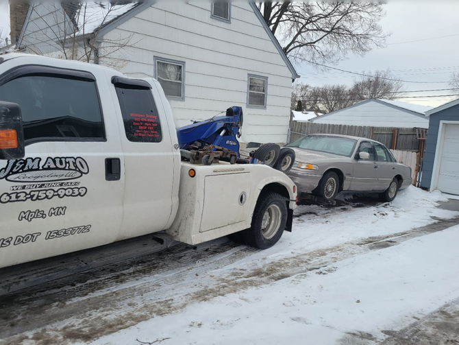 Minneapolis' Best Choice to Get Cash for Your Junk Vehicle