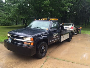 Private towing services in Minneapolis, MN