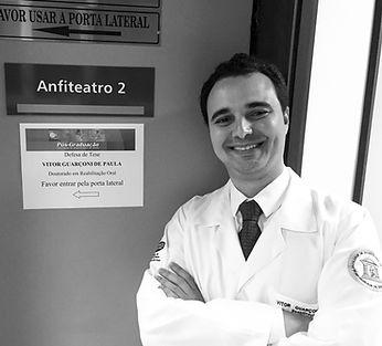 Dr. Vitor Guarçoni de Paula