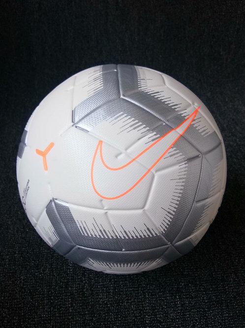 Футболный мяч Найк