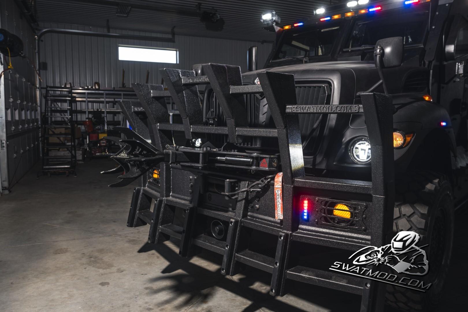 SWAT MRAP MaxxPro