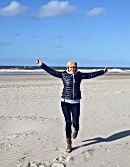 Sabine Ehrenberg am Strand auf Norderney
