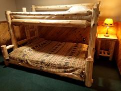 bears den bunks (4).jpg