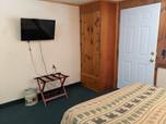 suite 13 (7).jpg