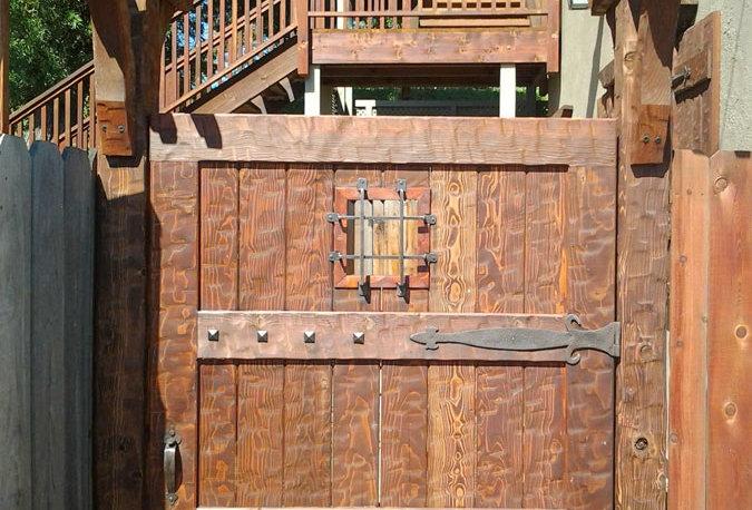 Door002 - Hand-Hewn Douglus Fur Door
