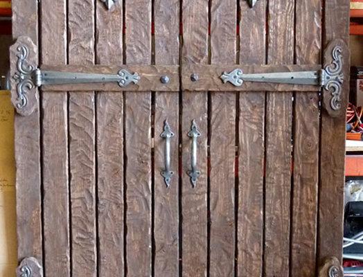 Door005 - Hand-Hewn Douglus Fur Door