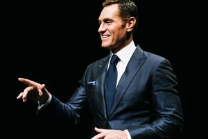 Darren Hardy, nos comparte los 9 Secretos para ser un vendedor profesional.