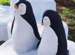 פסל של פינגווין