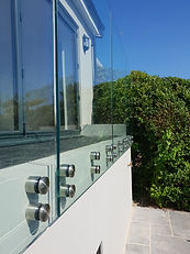 Frameless-Glass-Balustrade-Button-Fixed-