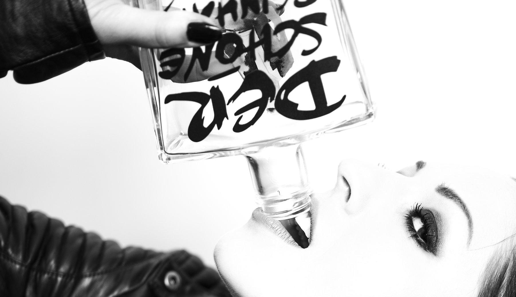 Der schöne Reinhard Gin