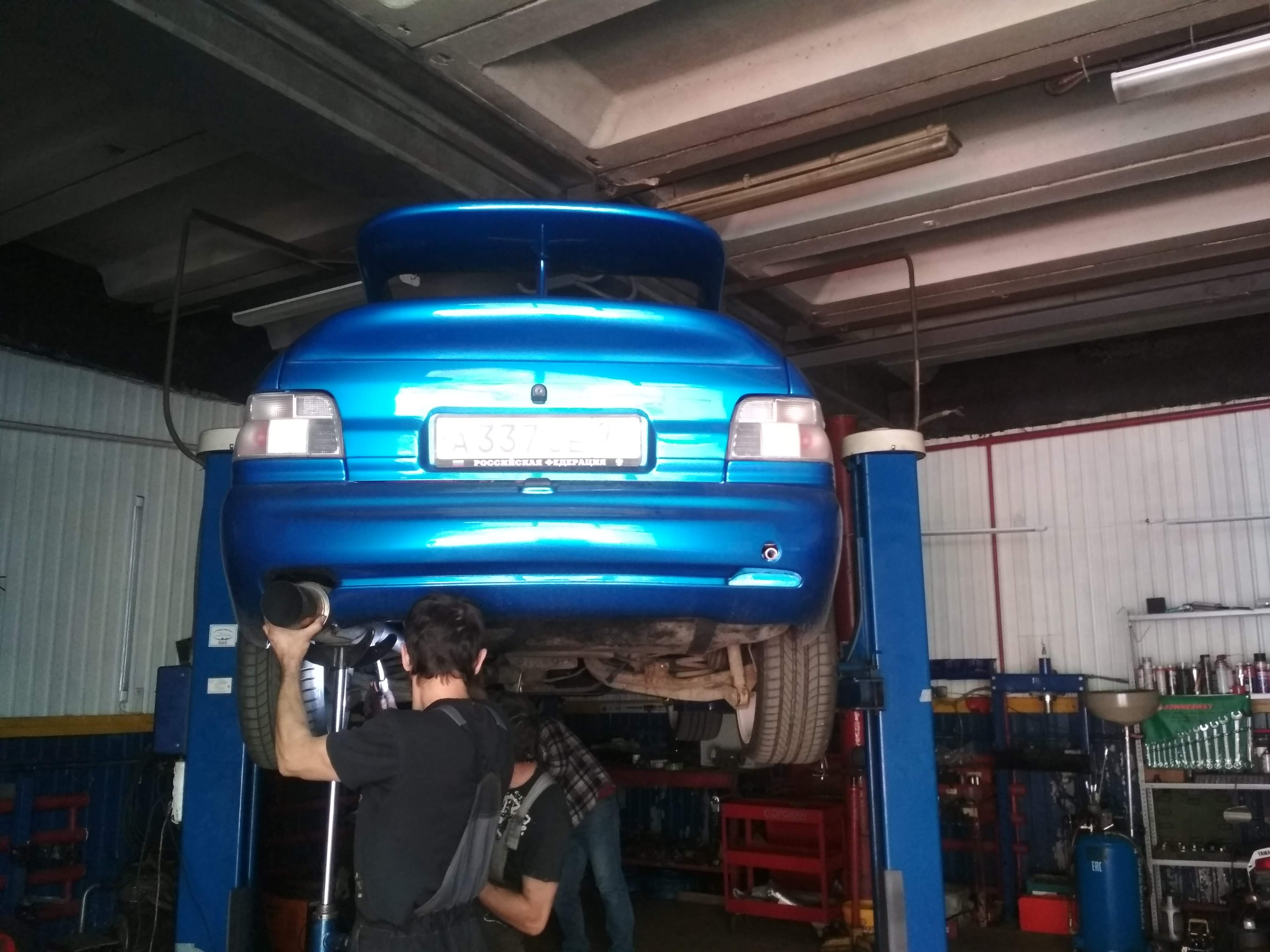 Установка выхлопа на Ford Escort Cosworth