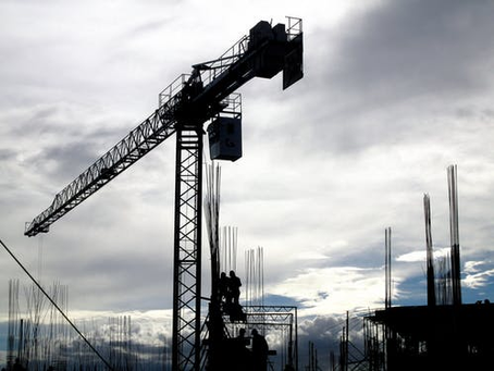 3 Ways Your Crane Operator Can Monitor Your Crane's Capacity & Avoid Accidents