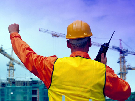 3 Reasons To Use Two-Way Radios at Construction Sites