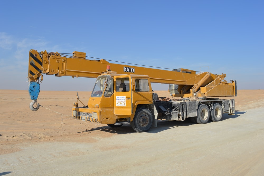 the all-terrain crane used to transport objects in rugged locations