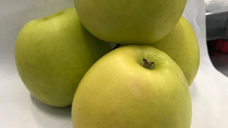 APPLES GOLDEN DELICIOUS MED each