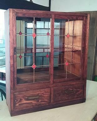 赤色で統一したリメイク家具