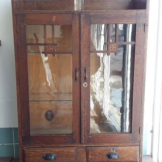 昭和の木製戸棚