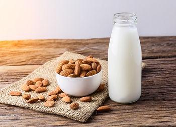 Almond_Milk.jpg