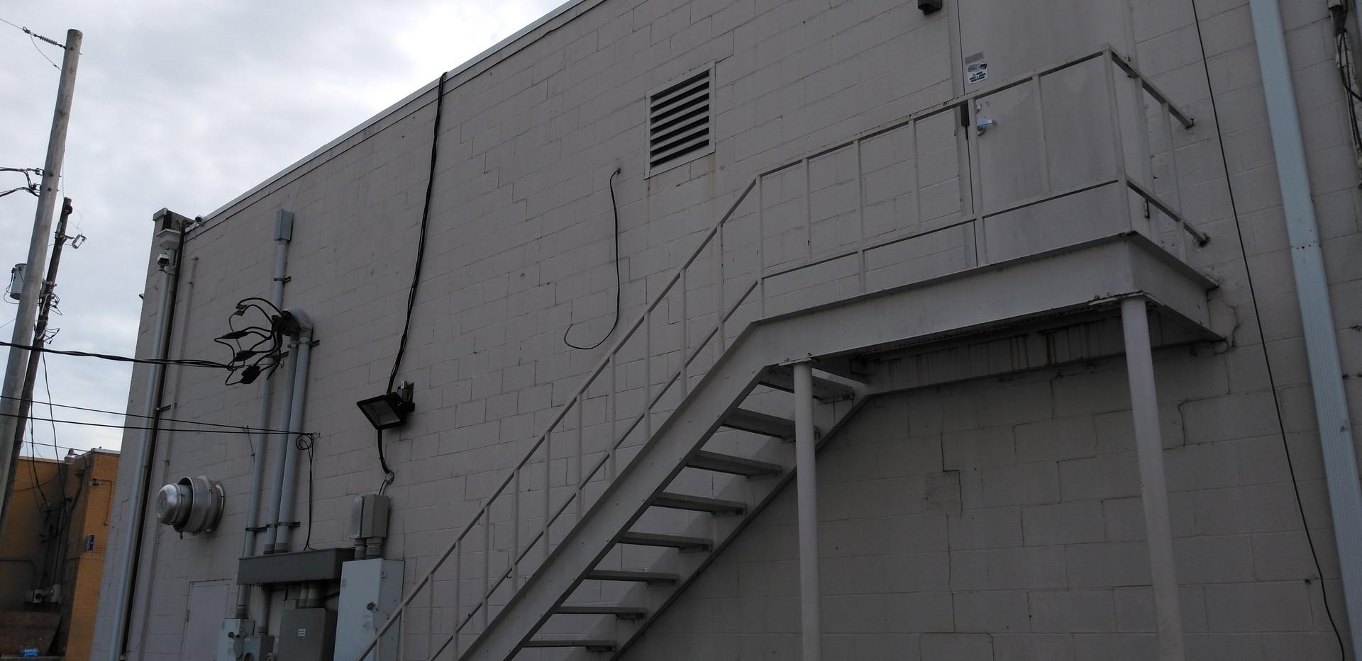 120 A. W. Willis Ave., Memphis, TN 38105
