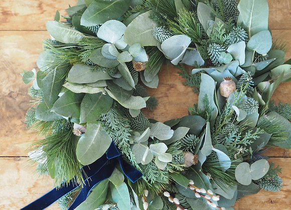 READY MADE CONTEMPORARY CHRISTMAS WREATH