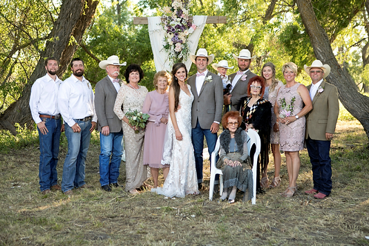 FamilyPhoto-1242018-768x512.png