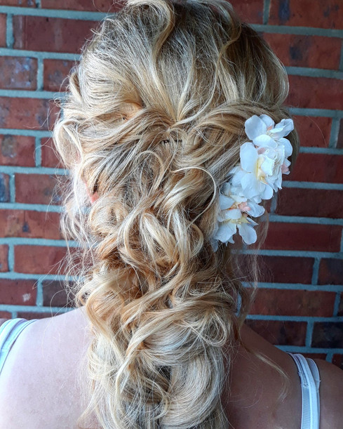 Hairstyles with floral decorations