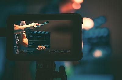 film-production-monitor-AKRK6AF_edited.j