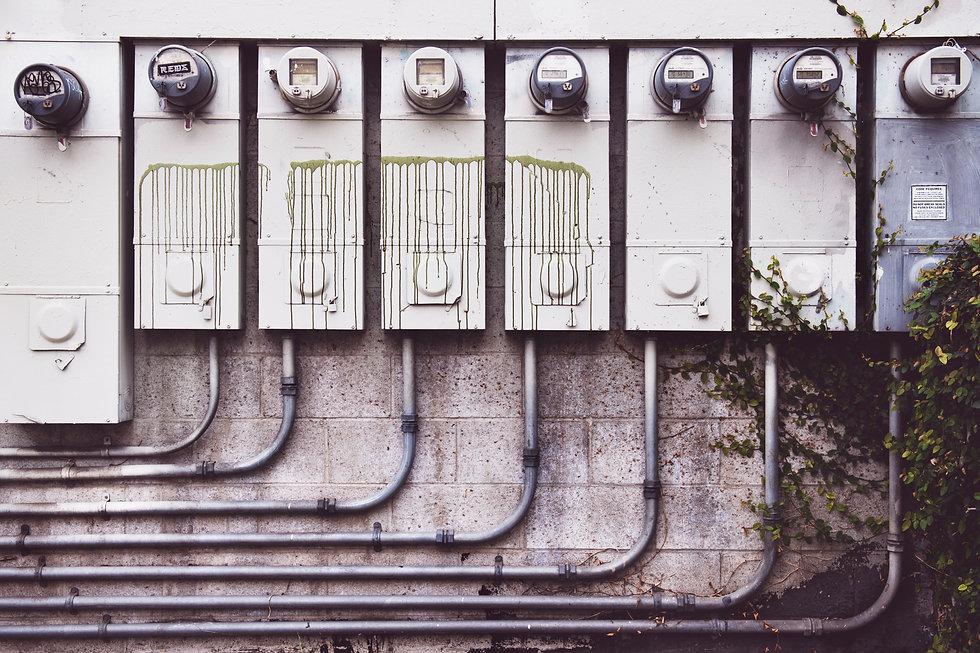 eight-electrical-metric-meters-942316.jp