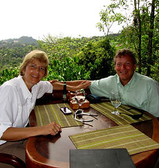T & R at El Avion.jpg